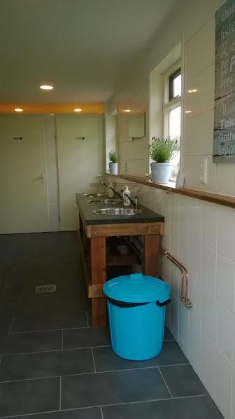 sanitairgebouw-1